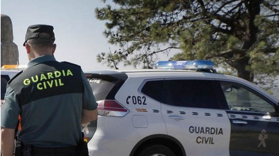 Patrulla de la Guardia Civil.